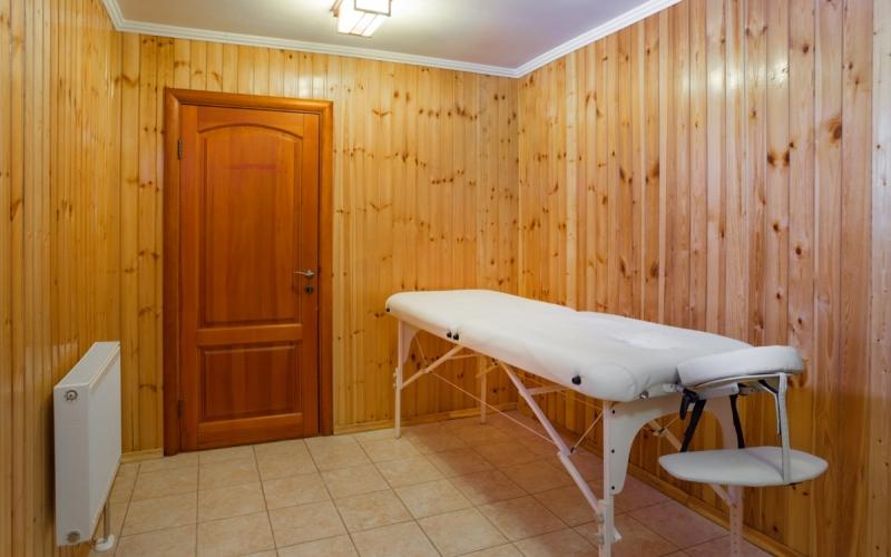 массажный кабинет клиники Рекавери
